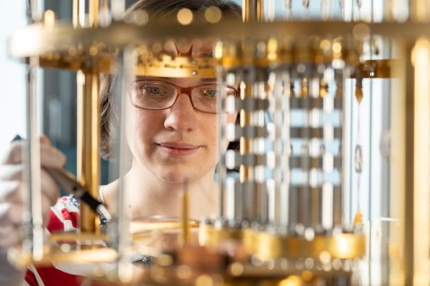 Nadezhda Kukharchyk working on the electrical contacts of a quantum computer.