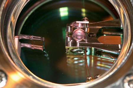 Picture showing a close-up view into one of the vacuum chambers employed in the teleportation experiment.